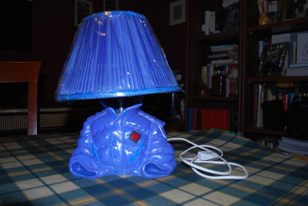 Come trasformare una bottiglia vuota in una splendida lampada per la casa (5/5)