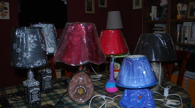 Come trasformare una bottiglia vuota in una splendida lampada per la casa