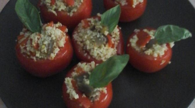 Pomodori ripieni di cous cous letti e…cucinati