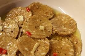 Seitan con crema di ceci, capperi e curry