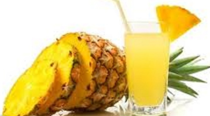 Succo drenante all'ananas