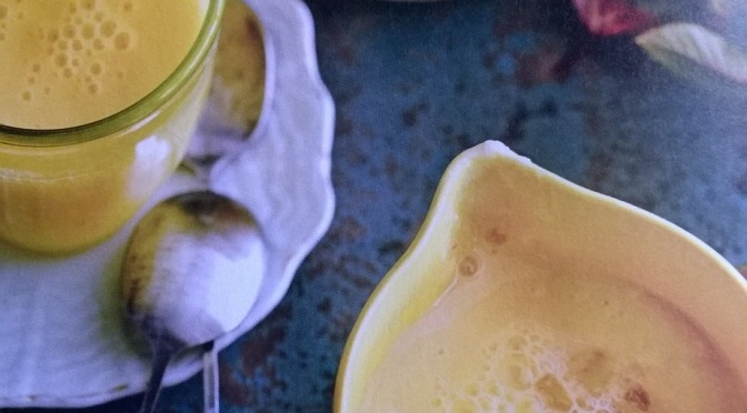 Lassi allo zenzero e ananas