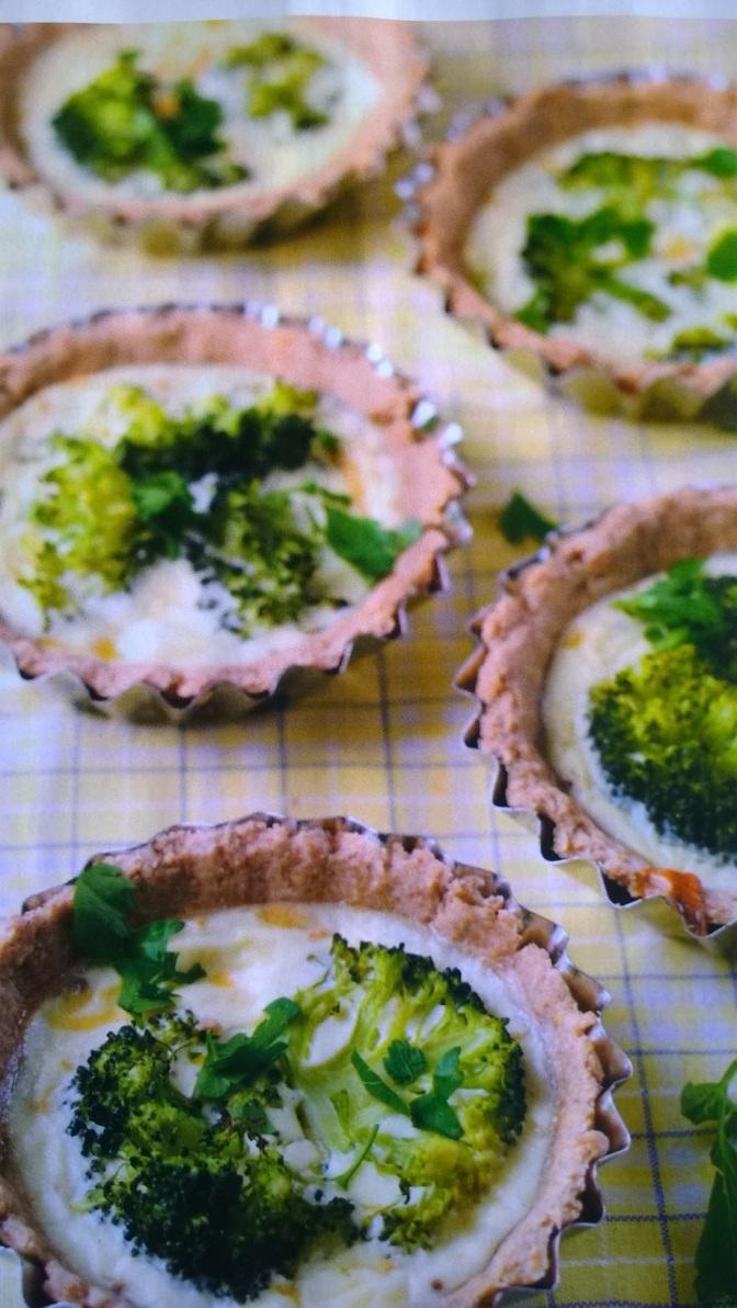 Cestini integrali di broccoli e crema di caprino