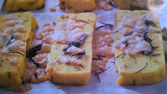 Crostoni gratinati con Asiago ed erbe aromatiche