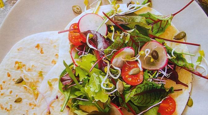 Piadina con insalata mista e germogli
