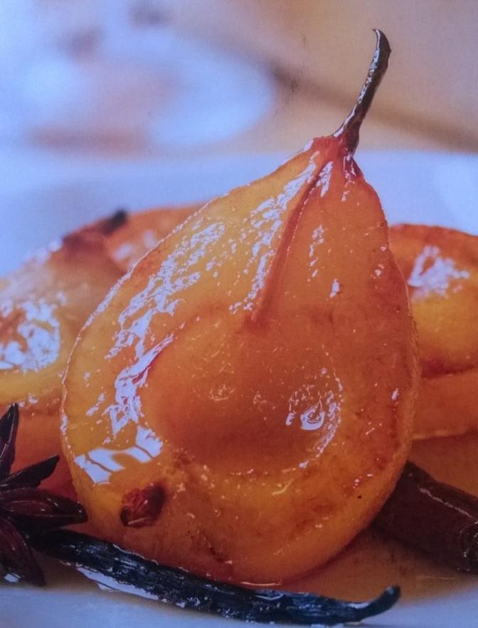 Pere in salsa alla vaniglia e anice stellato
