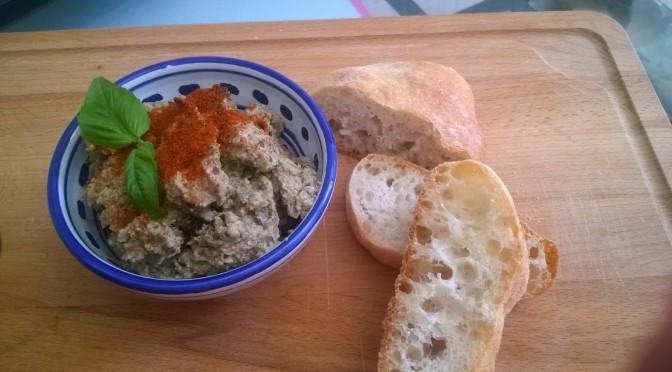 Crema di melanzane al basilico con paprica